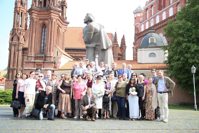 XXIII MNW - przed pomnikiem Adama Mickiewicza