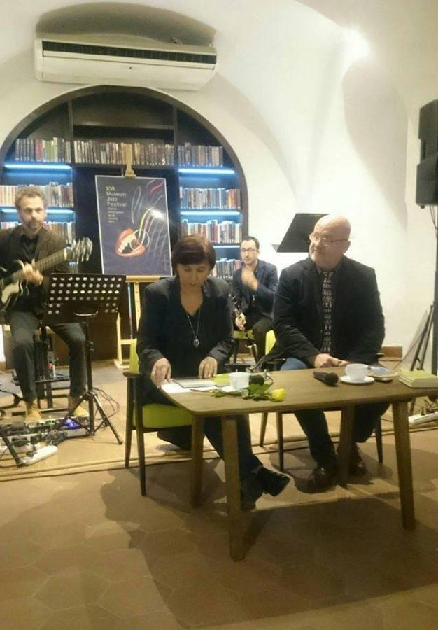 Maria Duszka i Pawł Buksalewicz na spotkaniu autorskim w Bibliotece Ratuszowej w Lesznie